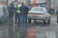 Ночью на Красной 30-летний водитель без прав врезался в две «Газели»