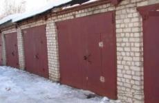 Ночью в Росляково потушили гараж