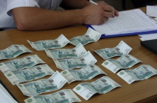 В Кандалакше направлено в суд уголовное дело в отношении местной жительницы за хищение денежных средств в банке