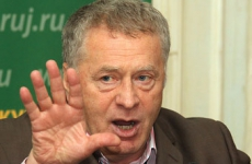 Жириновский пригрозил уходом из Госдумы и пикетами у Лефортово из-за задержания своего губернатора