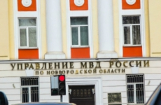 Три подростка обокрали прицеп-рефрижератор в Крестцах (Новгородская область)