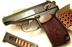 В Петербурге военный пенсионер застрелил грабителя на улице