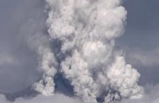 На Камчатке вулкан Шивелуч выбросил семикилометровый столб пепла