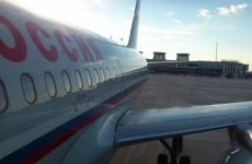 Следовавший в Москву самолет сел в аэропорту Пулково из-за ветра