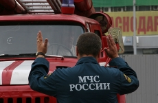 Огненная стена. Сотрудники МЧС потушили пожар площадью две тысячи «квадратов» в Екатеринбурге