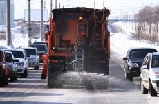 Более 130 рабочих убирали Тулу от случайного мусора