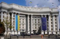 Президента Украины, пошедшего на уступки России, выкинут из окна, — Климкин