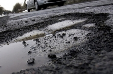 Прокуратура направила в суд иски о приведении в надлежащее состояние автодорог города Сланцы