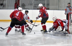 Умер хоккейный арбитр Владимир Баранов